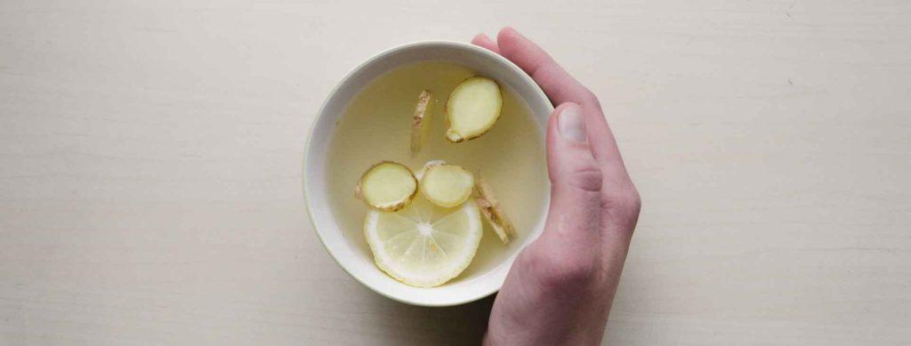Sådan sætter du gang i din forbrænding med kogt vand og citron