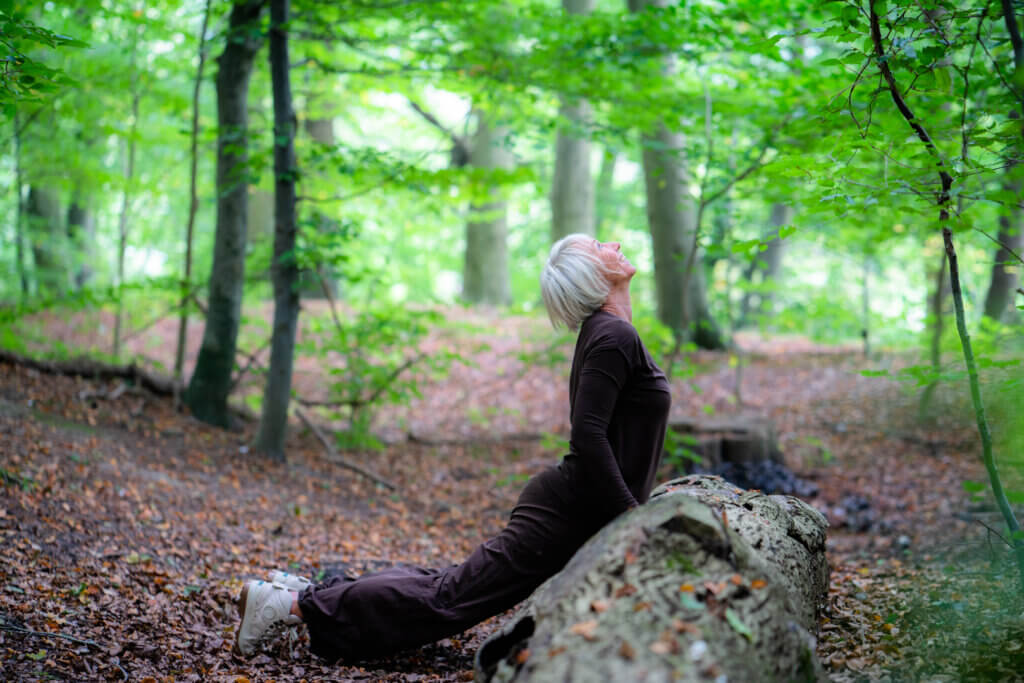 Stressfri yoga gør dig let og fri i både krop og sind
